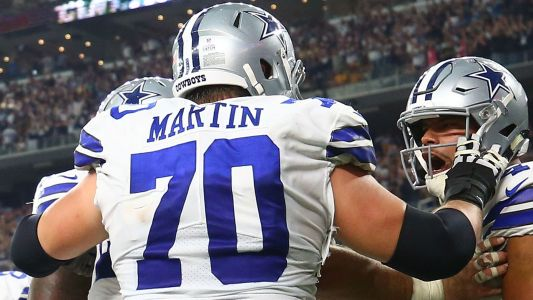 Cowboys guard Zack Martin leaves preseason game against Bengals with knee injury