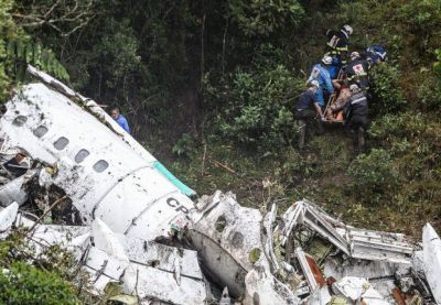 Pilot of plane that crashed carrying Brazilian soccer team warned he was out of fuel moments before crash