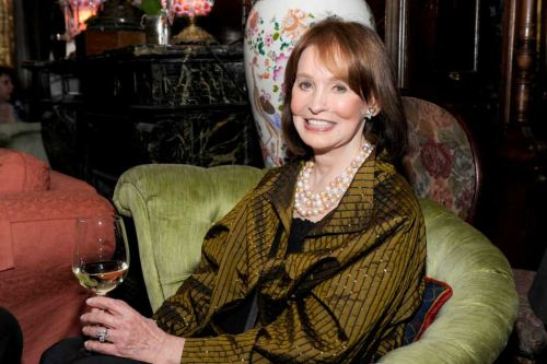 Gloria Vanderbilt, iconic fashion designer and socialite, dies at age 95