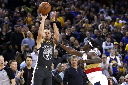 Stephen Curry pours in 41 points as Warriors outgun Pelicans