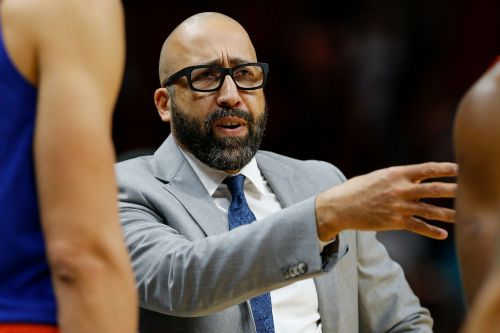Knicks change course, bench rookies amid tanking perception