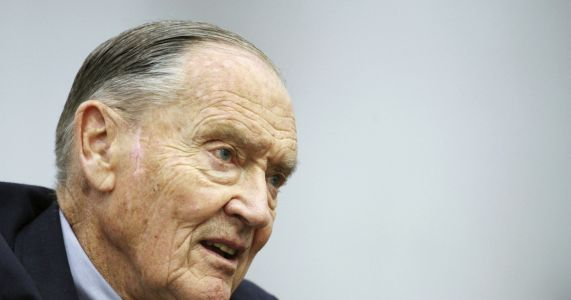 John Bogle dies at 89; fought for lower fees for investors