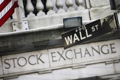 Dow hits another record as bank stocks continue to climb