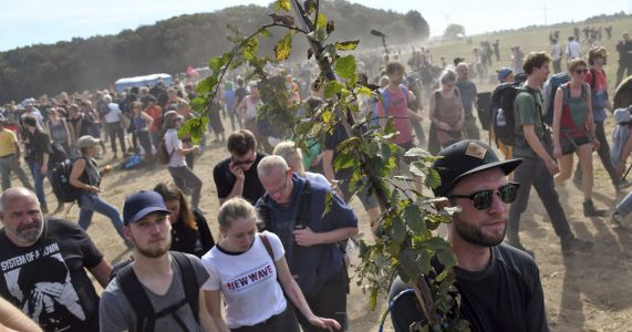 4,000 protest coal mine as German police clear forest camp