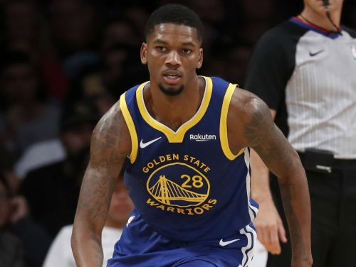 Warriors waiving Alfonzo McKinnie, clear room for Marquese Chriss, report says