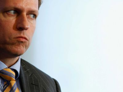 Peter Thiel says the age of Apple is over