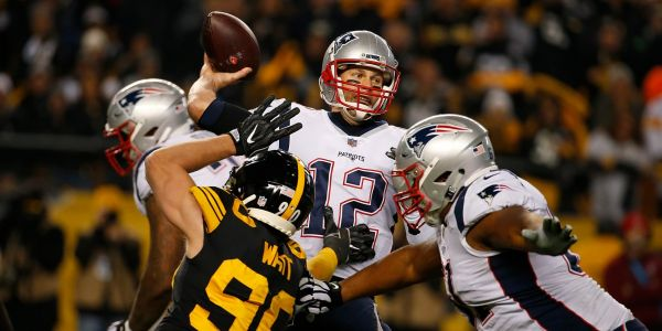Tom Brady makes the most un-Tom Brady play imaginable at a crucial moment in the Patriots' loss to the Steelers