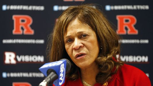 Rutgers' C. Vivian Stringer becomes sixth Division I coach to win 1,000 games