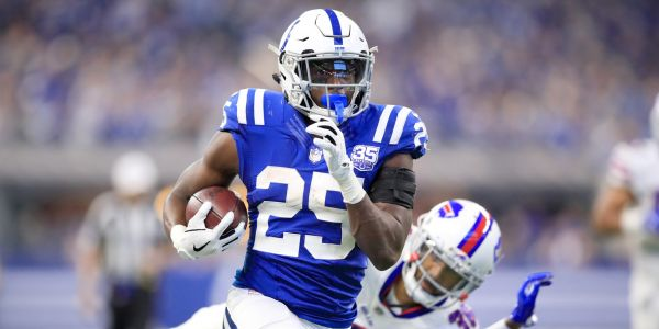 Top 12 waiver-wire pickups for Week 8 of fantasy football