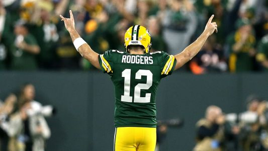 Aaron Rodgers injury update: Packers QB reportedly will play against Vikings