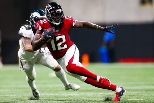 Patriots trade for Falcons receiver Mohamed Sanu in offensive upgrade