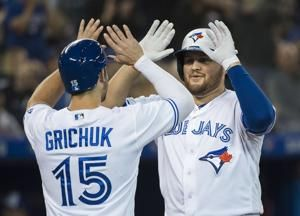 Justin Smoak lifts Blue Jays past Rays with walk-off shot