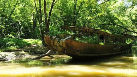 'Ghost ship of Cincinnati': From Edison to Madonna, the storied past of marooned Ohio River ship