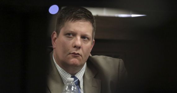 Defense enters 3rd day of testimony at cop's murder trial