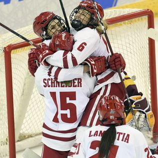 Wisconsin wins 5th NCAA women's hockey title