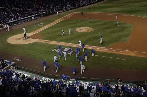 L​os Angeles Dodgers beat Chicago Cubs in Game 5 to advance to World Series