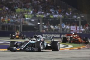 F1 Leader Lewis Hamilton Wins Singapore GP; Max Verstappen Finishes in 2nd