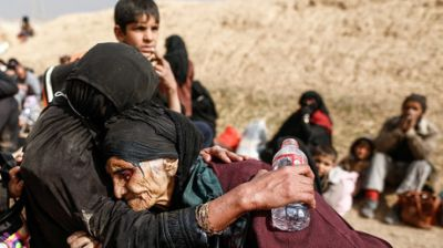 Mosul exodus: Thousands flee, over 750,000 Iraqi civilians trapped in anti-ISIS battle zone