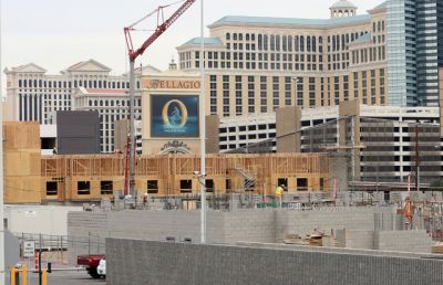Hotel magnate starts new burst of projects in Las Vegas
