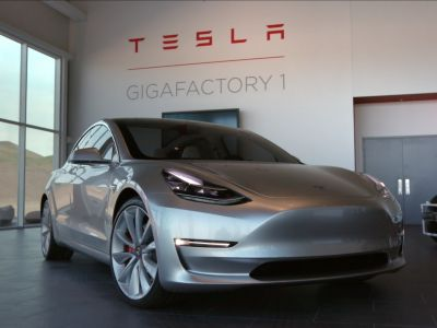 Tesla says all vehicles in production to have full self-driving hardware