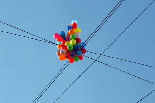 Balloons knock out power for over 1,500 Queens residents