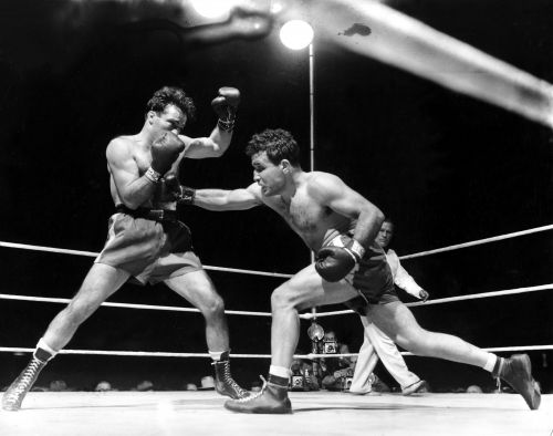 Jake LaMotta, boxing's 'Raging Bull,' dies at 95