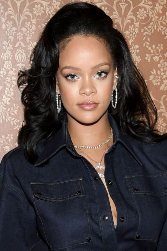 Rihanna refused to play Super Bowl halftime show to support Colin Kaepernick