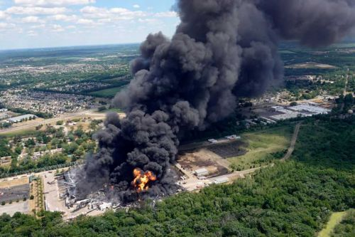 Fire at Illinois chemical plant fire expected to burn for days