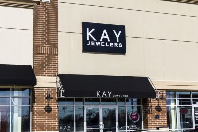 Former jewelry store workers claim sexual harassment