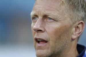 Iceland coach turns off cellphone to focus on Croatia