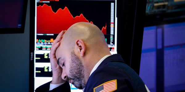 Dow plummets almost 1,000 points as spreading coronavirus fears rattle traders