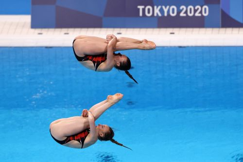 1st diving gold of Tokyo Olympics has been captured