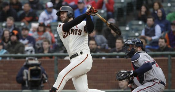 Giants score three in ninth to beat Braves 4-3