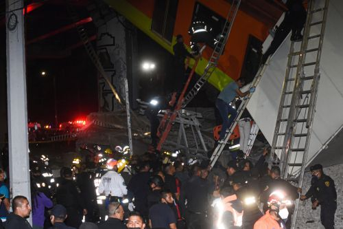 At least 15 people dead, dozens injured in Mexico City train wreck
