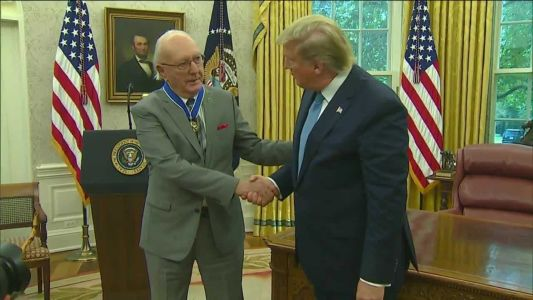 'Mr. Basketball' Bob Cousy receives Presidential Medal of Freedom
