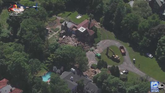 Video: Crews demolish 1920s Shorewood mansion