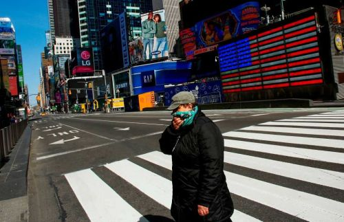 NYC mayor asks residents to use face coverings to help slow coronavirus spread