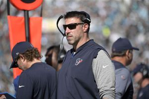 Titans hire Mike Vrabel as new coach after quick search