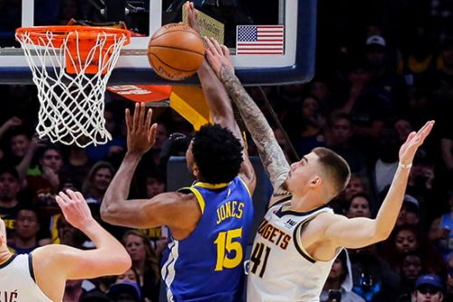 Warriors handed first loss on crushing last-second block