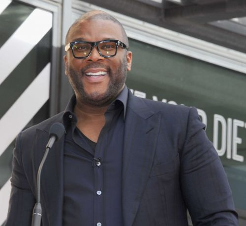 Tyler Perry leaves $21K in tips for Altanta servers who are out of work
