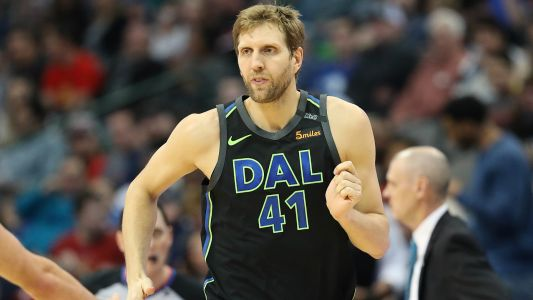 Dirk Nowitzki to make season debut Thursday vs. Suns, report says