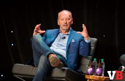 Longtime gaming exec Peter Moore is leaving Electronic Arts to run Liverpool FC