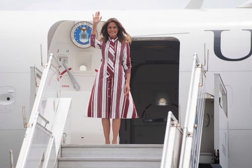 Plane carrying Melania Trump forced to turn around over smoke in cabin