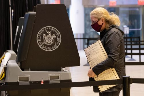 Number of early US voters already surpasses the same total figure for 2016