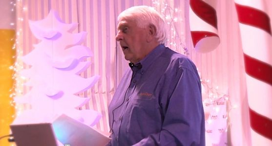 Business owner offers $4 million in Christmas bonuses to employees