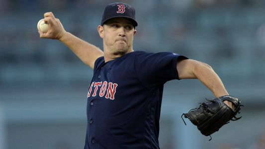 Red Sox P Steven Wright charged with domestic assault