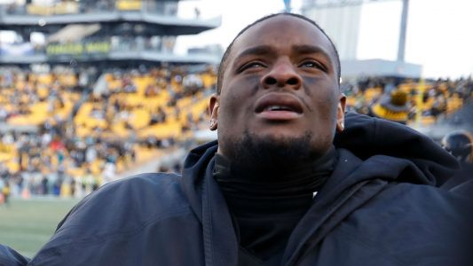 Steelers teammates clean out Le'Veon Bell's locker after missed deadline
