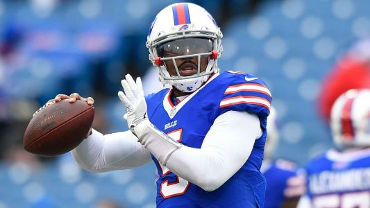 Twitter reacts to Bills' surprise benching of Tyrod Taylor
