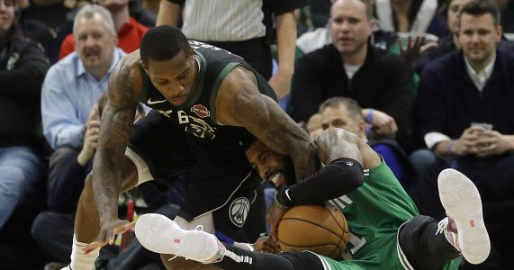 Antetokounmpo scores 30 points, Bucks beat Celtics 98-97