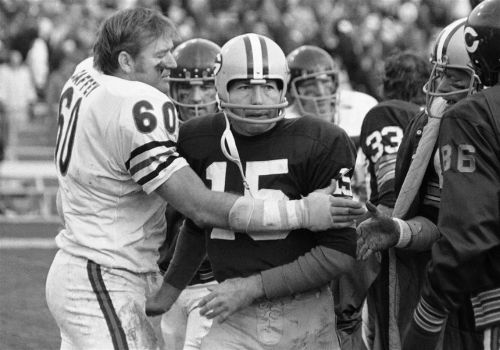 Green Bay Packers legend Bart Starr, a 1977 Pro Football Hall of Fame inductee, dies at 85
